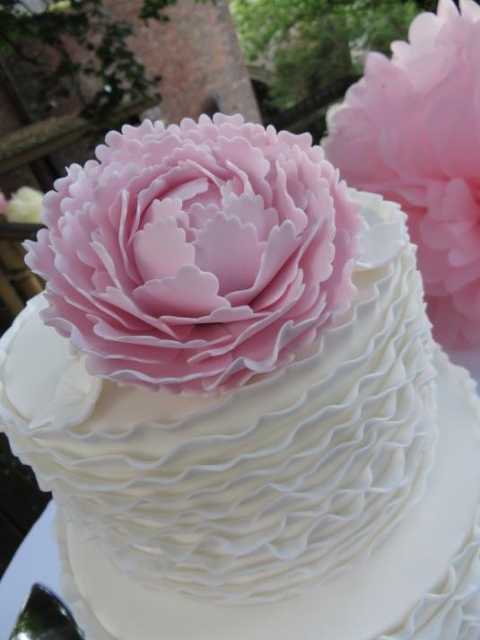 Close up Ruffle Peony Cake