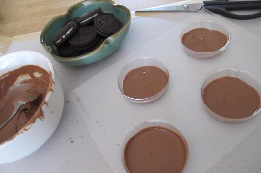 Using the Chocolate Oreo mould