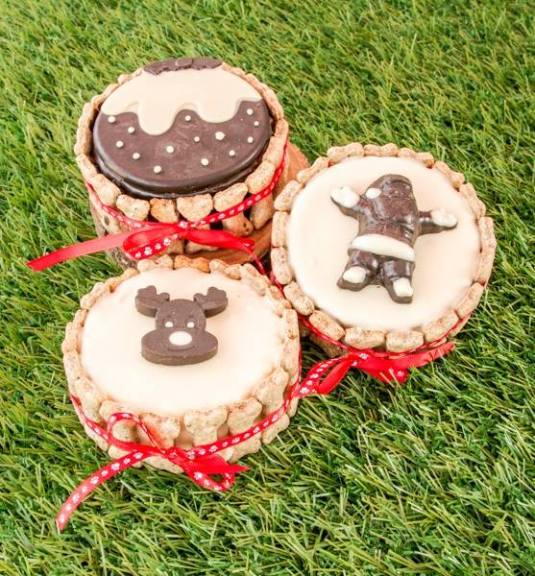 Dog cakes by Pupcakes with Baked By Me's mould