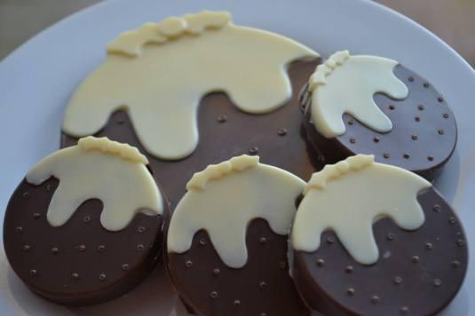 Christmas Pudding Chocolates made by Everyday I'm Trufflin'