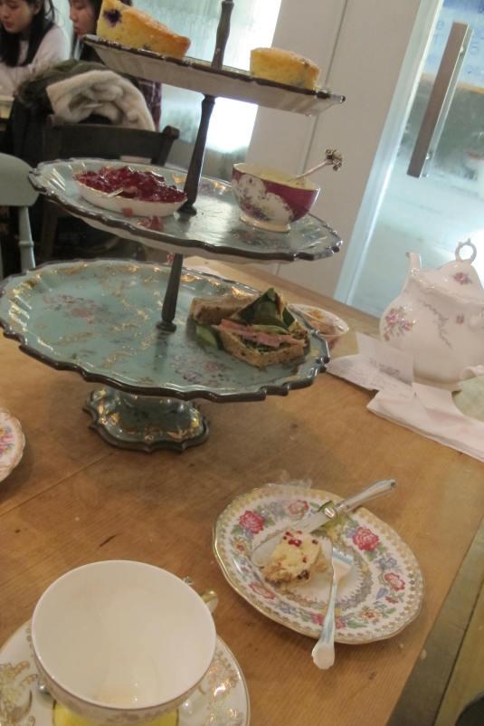 Gorgeous cakestand
