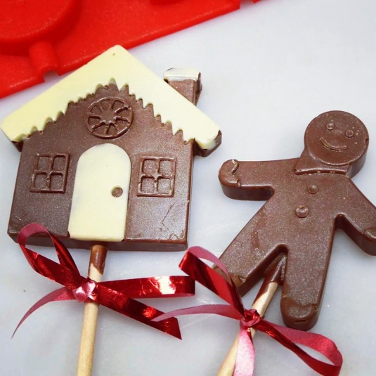 Gingerbreadman gingerbread house mould
