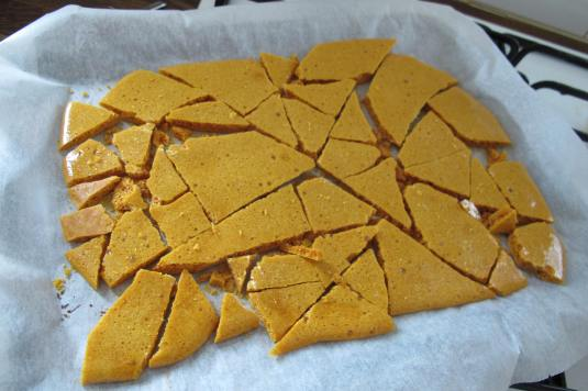 Easy Homemade Honeycomb Shards